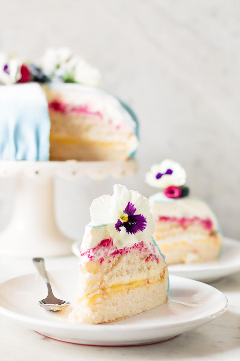 tort urodzinowy marcepanowy marakuja maliny przepis codojedzenia
