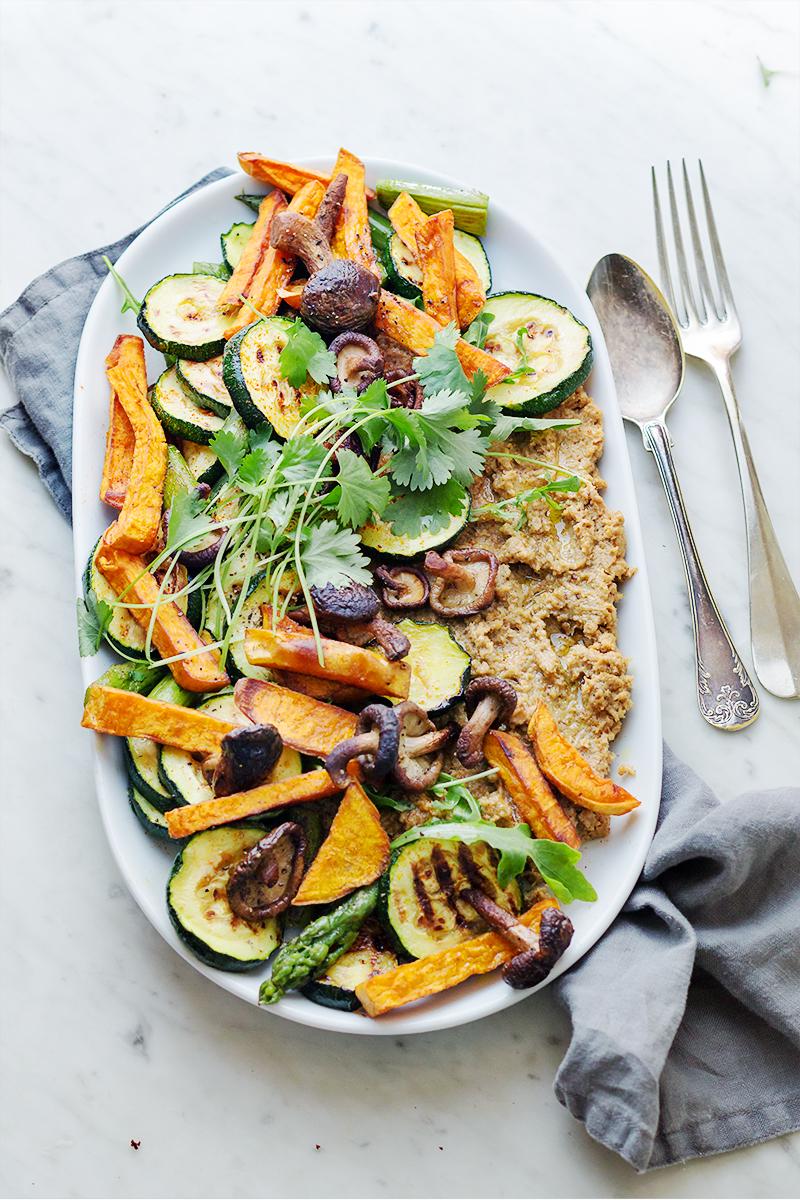 przystawki na grilla pieczone warzywa hummus codojedzenia