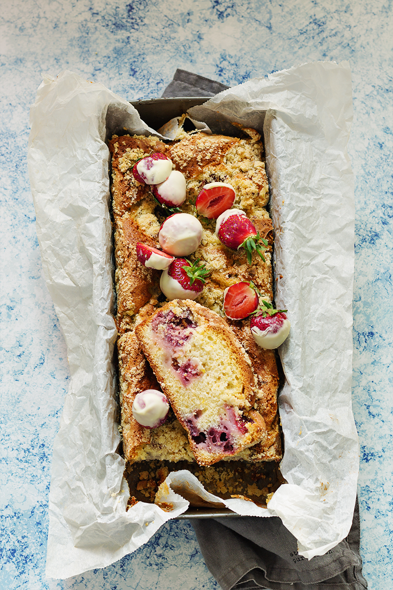 ciasto z truskawkami i kruszonką przepis codojedzenia