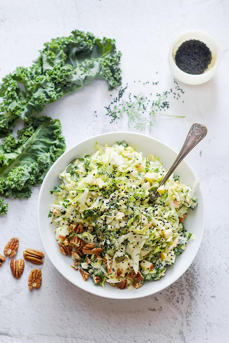 surówka coleslaw z kapusty i jarmużu obiad blog codojedzenia