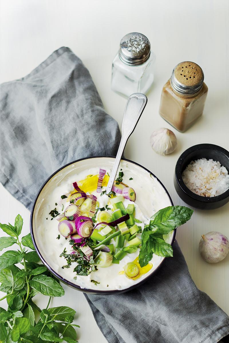 jogurt czosnkowy grill dodatki do grilla codojedzenia