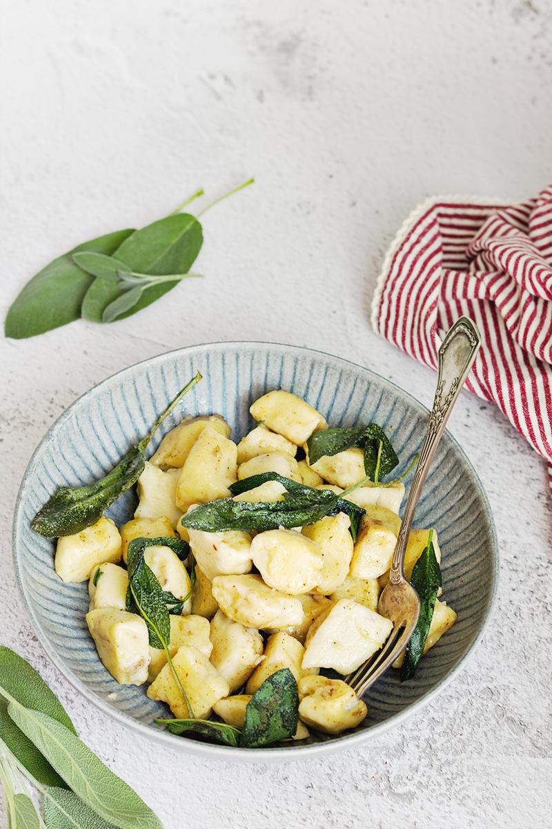 gnocchi z masłem szałwiowym obiad jarsko codojedzenia