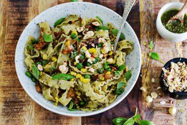 obiad bez mięsa mafaldine z pesto i grzybami codojedzenia