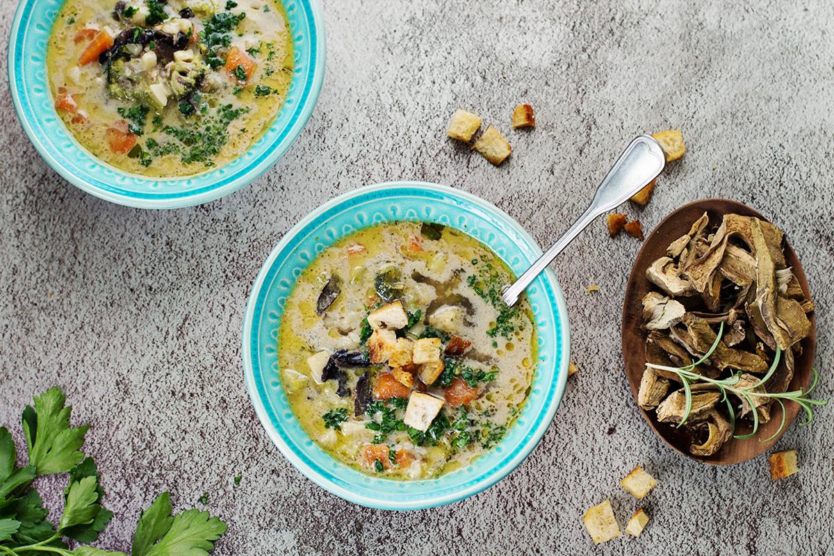 grzybowa_suszonegrzyby_przepis_obiad_zupa_codojedzenia